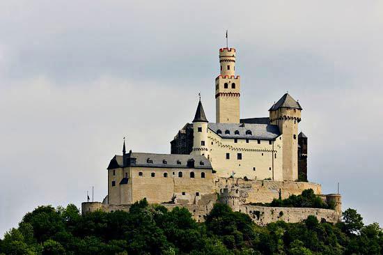 Замок Марксбург (Burg Marksburg)