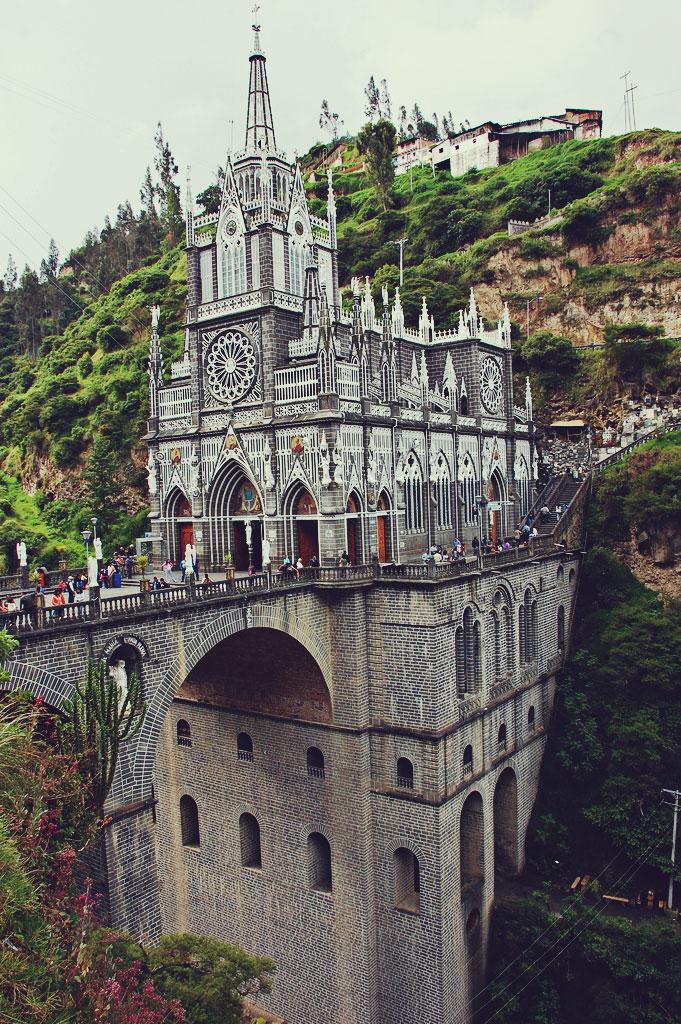 ����� ���-����� (Las Lajas Cathedrale)