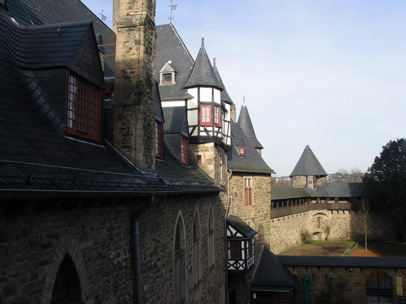 Замок Шлоссбург (Schlossburg an der Wupper)